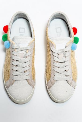 Кроссовки с помпонами