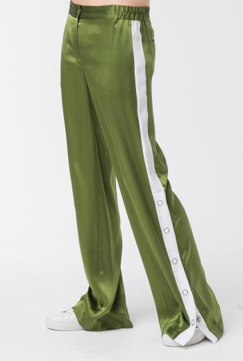 Шелковые брюки с лампасами