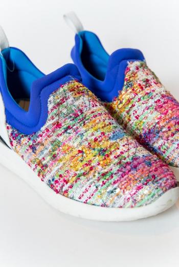 Комбинированные кроссовки без застежки